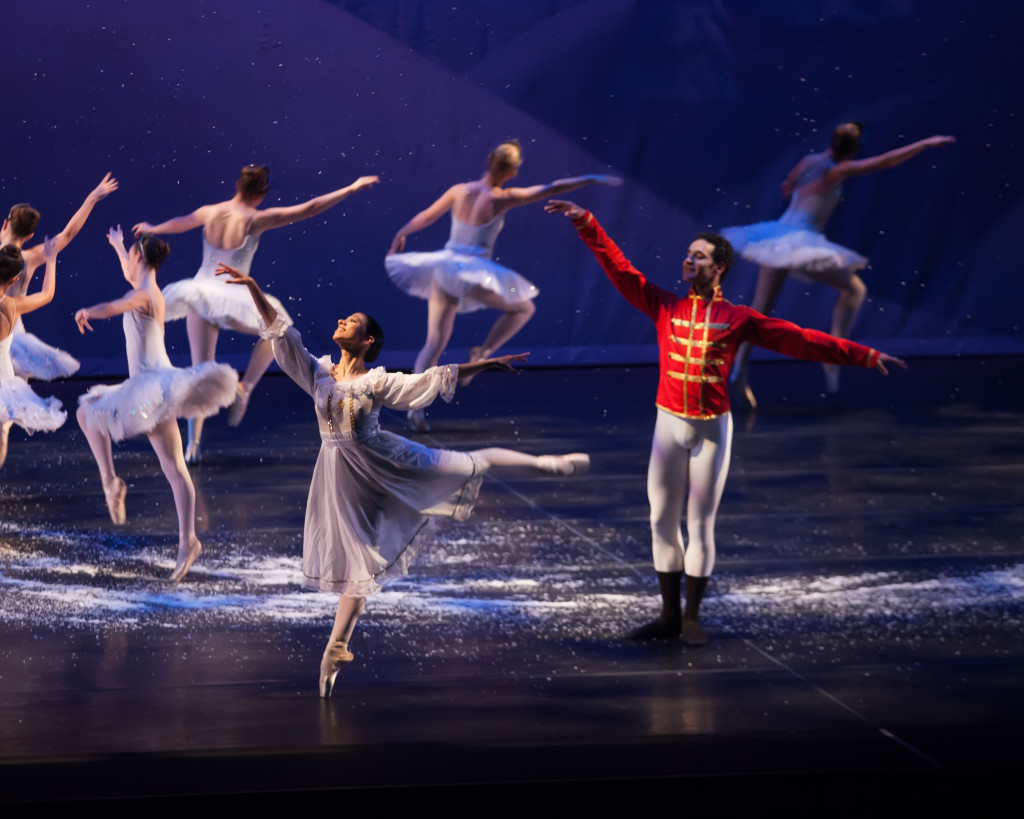 A traditional Nutcracker story – November 2013 Snowflakes, Act I with international guest stars Nour Eldesouki (Nutcracker Prince) and Carolina Boscan (Clara Princess)