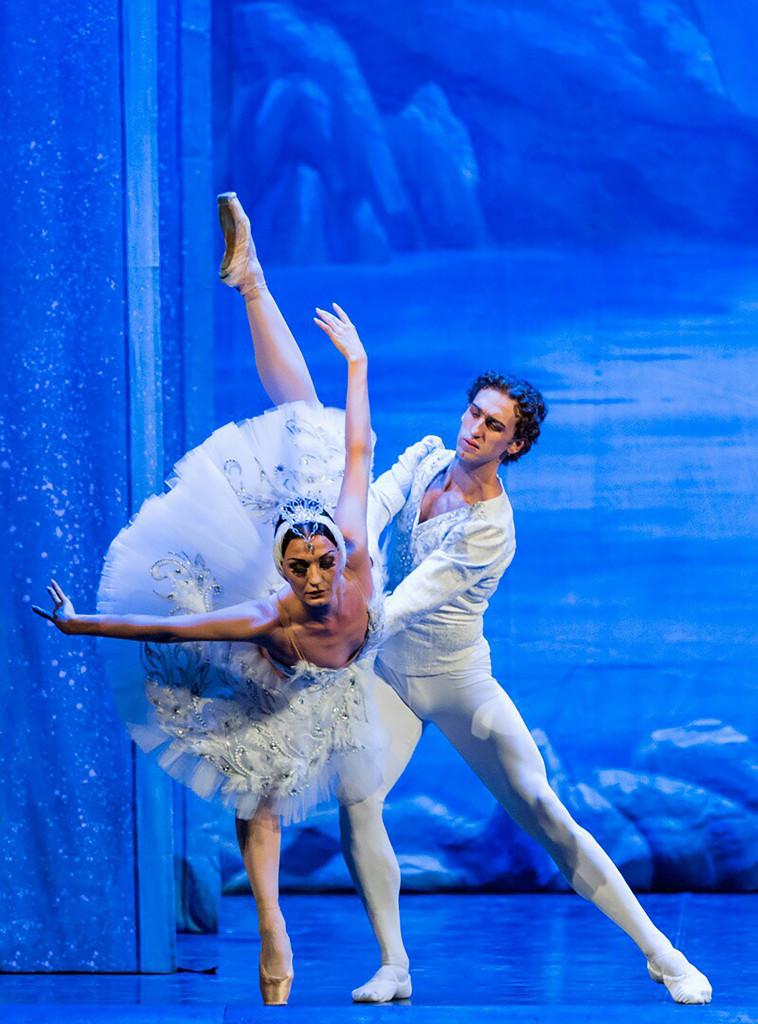 """The Russian Grand Ballet dances """"Swan Lake"""""""